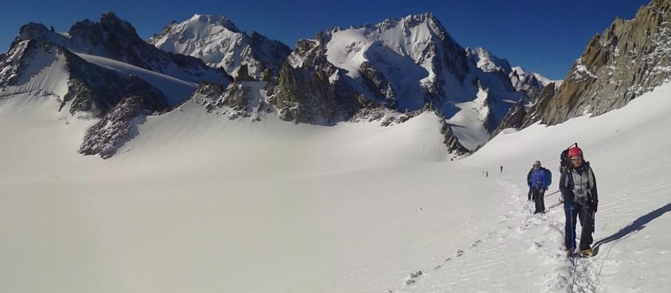 Alpine-Hiking_header