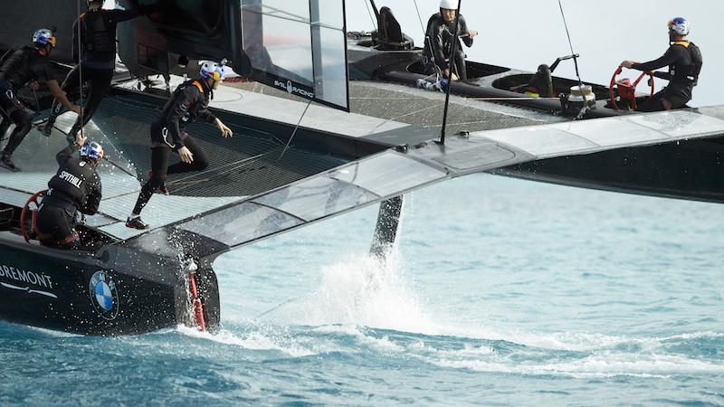 S16_AC_Bermuda_sailing_2310_FNL